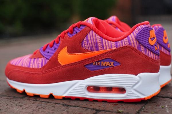 Nike-Air-Max-90-Light-Crimson-Total-Orange-Laser-Purple-2 5:18
